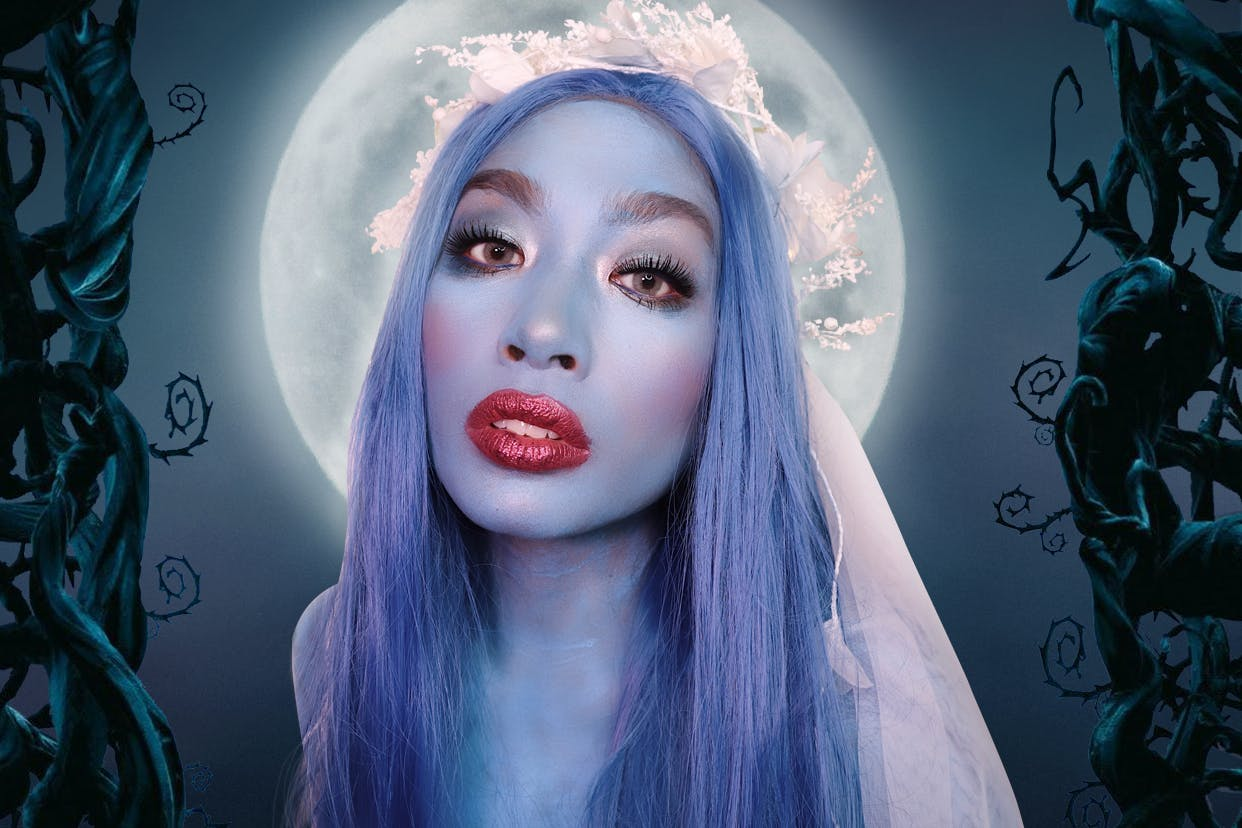 Sarah Novio dressed as Tim Burton's Corpse Bride for a Halloween makeup tutorial